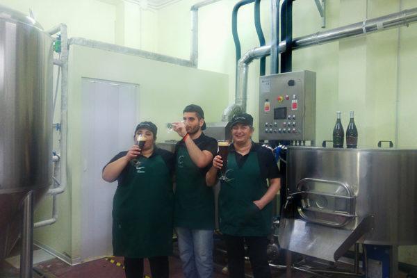 Lo Staff nel Birrificio